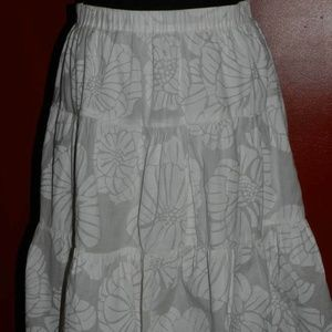LILLY PULITZER White Tiered SKIRT w/Floral Print 6
